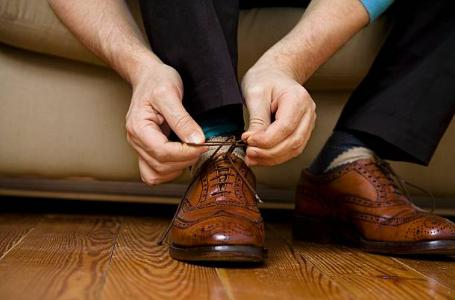 Quels types de chaussures avoir dans son dressing pour aller avec tout ?