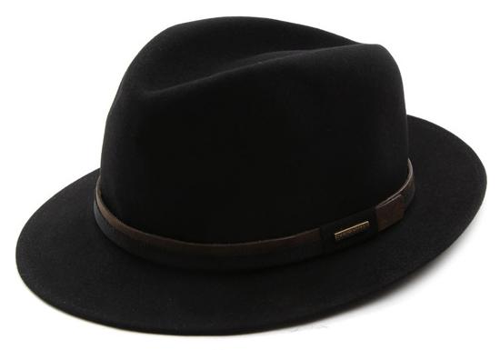Le chapeau Stetson : pour avoir du style même sous la pluie !